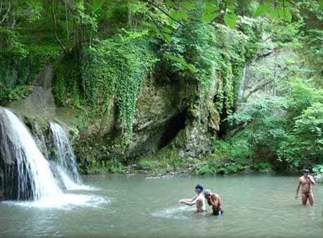 Kod vodopada na Brnjici