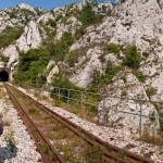 Mesto usred meandara Borske reke kroz Rgotski kamen do koga se može samo kroz tunel