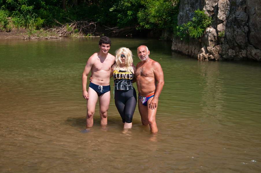 Gaga, Olja i Bane na Timoku